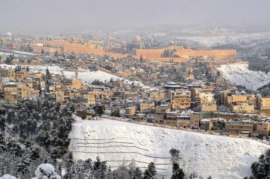 Snow in Jerusalem (photo via USCG Jerusalem/FB)
