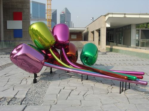 Tulips by Jeff Koon U.S. Embassy Beijing, China
